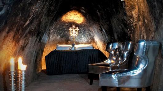 Mine Hotel Room (2)